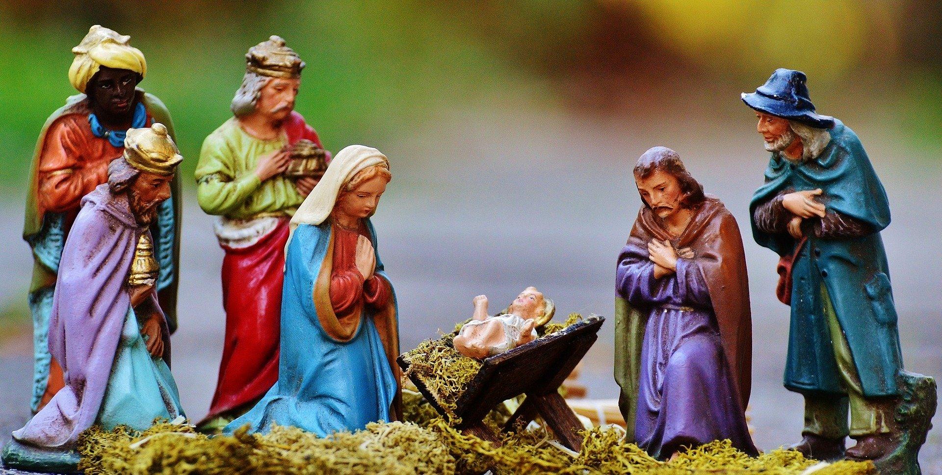 christmas-crib-figures-1060016_1920